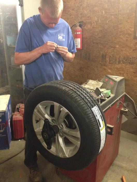 tire balancing tool